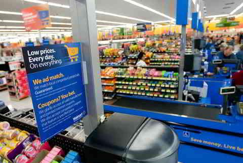 Walmart bietet gleichen Preis wie Amazon. Low prices. Every day. On everything. Quelle: http://news.walmart.com/_download?id=00000141-1067-d62e-a3c3-dbffca3a0000